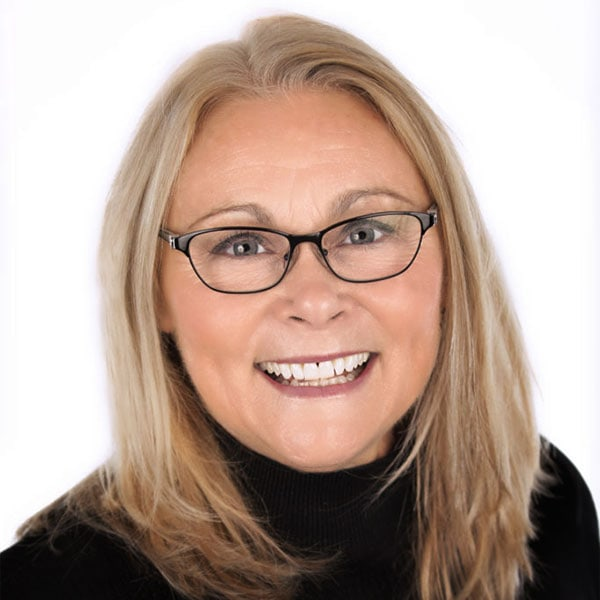 Looking Glass Realty - Agent - Leslie Libby